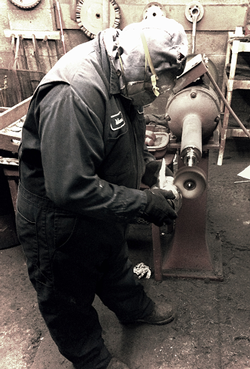 metal-worker-photo